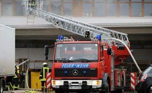 Plus de 60 personnes se trouvaient dans les locaux au moment du drame, selon Caritas, et malgré l'arrivée rapide des secours -6 minutes après l'alarme- une cinquantaine seulement ont pu échapper aux flammes.