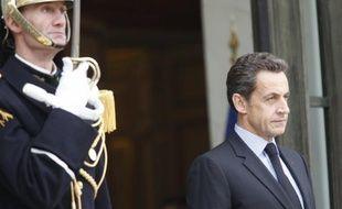 A dix-huit mois de la présidentielle, Nicolas Sarkozy a profité du remaniement pour refermer sans crier gare la parenthèse de l'ouverture à gauche, pourtant une de ses marques de fabrique, en congédiant Bernard Kouchner, Fadela Amara et Jean-Marie Bockel.