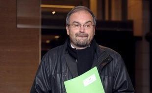 """Le secrétaire général de la CFDT, François Chérèque, qui passera la main le 29 novembre à Laurent Berger, a dit jeudi """"craindre l'émotion"""", se décrivant comme un """"ours"""" qui voudra """"vite rentrer dans sa tanière""""."""