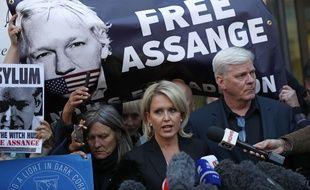 L'avocate de Julian Assange Jennifer Robinson s'exprime à Londres le 11 avril 2019 après l'arrestation du cofondateur de WikiLeaks.