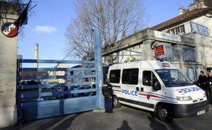 """L'Assistance publique-hôpitaux de Paris (AP-HP) a annoncé vendredi dans un communiqué qu'""""un problème dans le circuit d'acheminement du médicament à l'intérieur de l'hôpital serait à l'origine du décès du petit Yliès, le 24 décembre dernier"""" à Paris."""