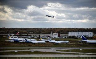 Un avion de ligne russe avec 71 personnes à bord s'est écrasé après avoir décollé de l'aéroport de Moscou ce dimanche.