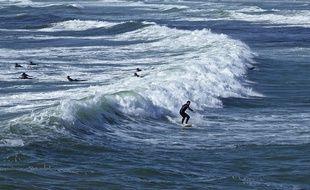 Le spot de La Torche, dans le sud Finistère, haut lieu du surf en Bretagne.