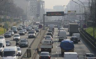 Illustration d'une alerte à la pollution sur le périphérique parisien.
