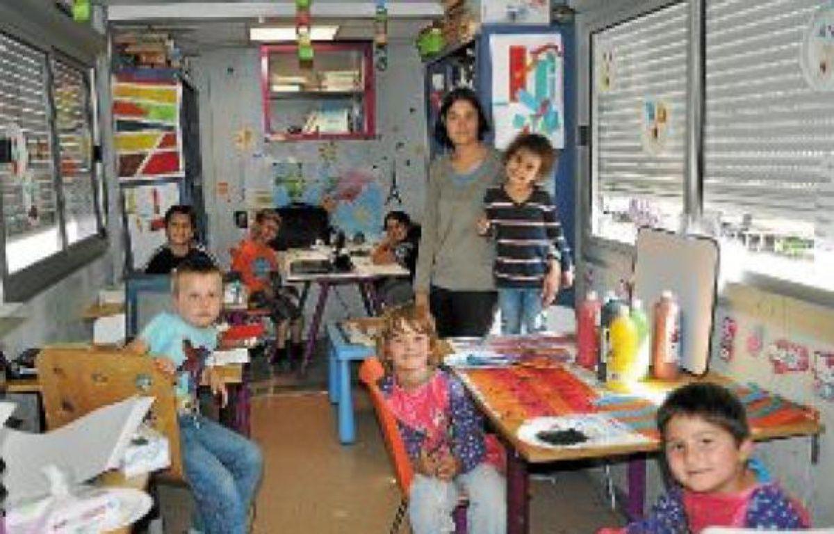 Partout où leurs parents se produisent, les enfants du cirque emmènent leur classe. –  Willy's