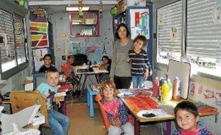 Partout où leurs parents se produisent, les enfants du cirque emmènent leur classe.