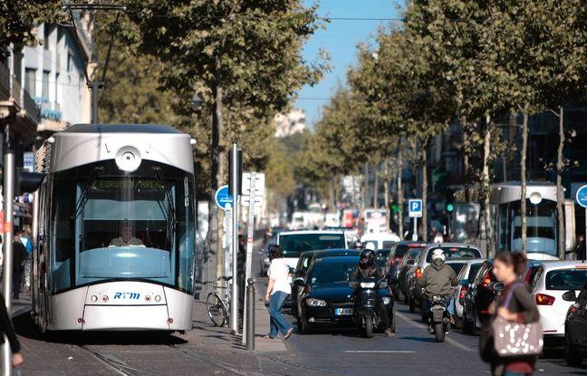 VIDEO. Marseille pour les nuls (4/10): Pourquoi la Canebière a cette super réputation... alors que c'est plutôt moche