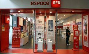 L'opérateur télécoms SFR a annoncé mercredi la suppression de 1.123 postes dans le cadre d'un plan de départs volontaires, et la création de 267 postes, soit la suppression de 856 postes nets, a-t-on appris de sources syndicales.