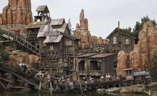 Le « Train de la mine » à Disneyland Paris en 2015.