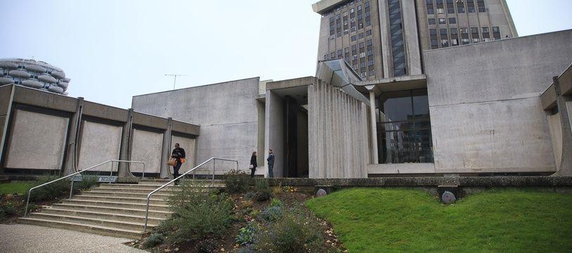Le tribunal correctionnel de Créteil (Val-de-Marne) a également prononcé une interdiction définitive de territoire à l'encontre des quatre hommes. // PHOTO : V. WARTNER / 20 MINUTES