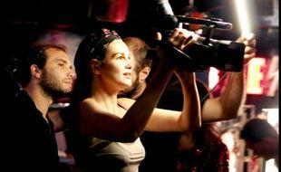 """Helena Noguerra réalise """"Peep-show Héros"""", un court métrage X"""