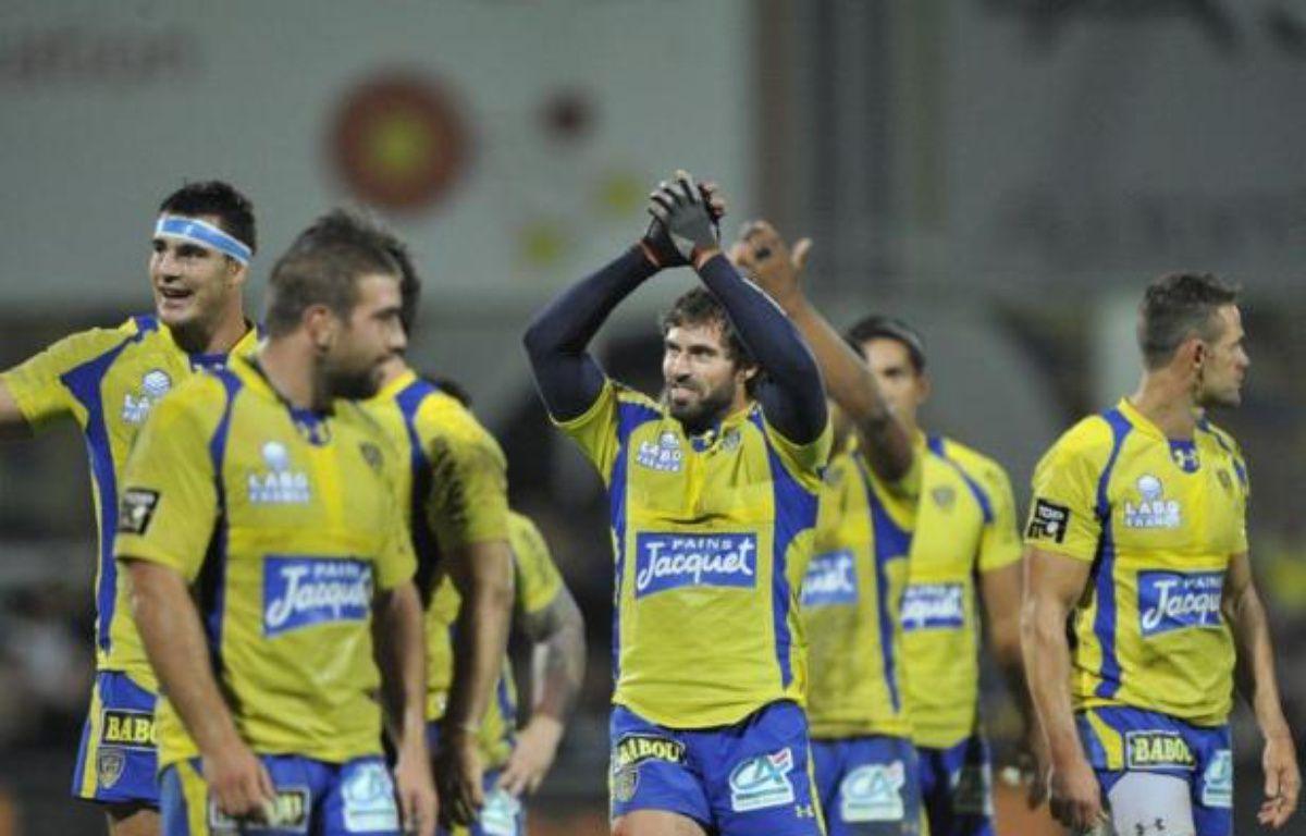 Clermont, auteur d'une première période catastrophique, s'est fait une belle frayeur à domicile face au Stade Français, battu (28-25) dans les toutes dernières secondes grâce à un drop de Brock James, vendredi soir en ouverture de la 7e journée du Top 14 de rugby. – Thierry Zoccolan afp.com