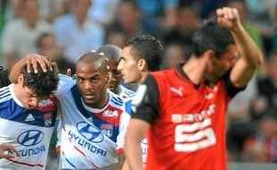 Jimmy Briand époque Olympique Lyonnais, avec Yoann Gourcuff à sa droite.