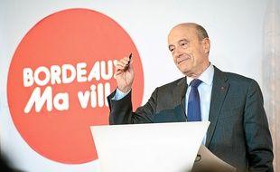 Alain Juppé refuse d'endosser le costume de candidat aux municipales avant janvier 2 014.