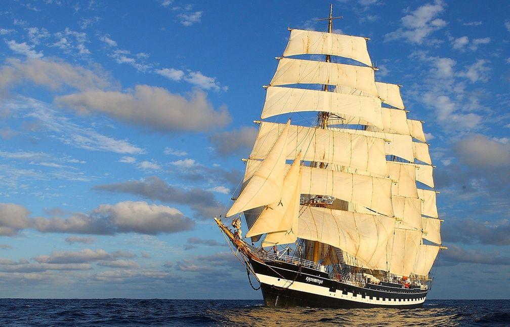En images brest accueille les plus beaux voiliers du monde for Piscine recouvrance
