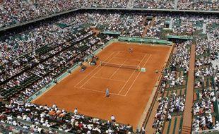 Le Central de Roland-Garros, lors de la demi-finale entre Rafael Nadal et Andy Murray, le 3 juin 2011.