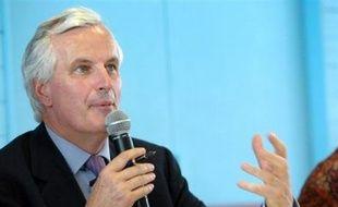 """Le ministre de l'Agriculture Michel Barnier a estimé lundi sur Europe 1 que la situation était """"très grave"""" aux Antilles, où l'utilisation massive de pesticides dans l'agriculture a conduit à un """"désastre sanitaire"""", selon un rapport qui doit être rendu public mardi."""