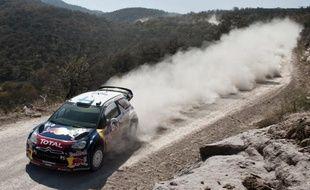 Le Finlandais Mikko Hirvonen (Citroën) a pris la tête du rallye du Portugal vendredi après-midi, à l'issue des trois premières spéciales (ES5-ES7) de la deuxième journée