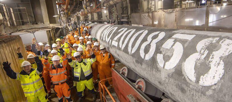 Les spécialistes du navire poseur de canalisations Fortuna ont terminé le soudage de la dernière canalisation de la deuxième ligne du gazoduc offshore Nord Stream 2, le 6 septembre 2021.