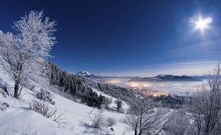 Paysage enneigé des Alpes