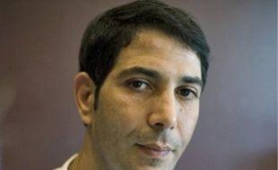 Karim Khelifi s'est fait une spécialité de détourner les recettes traditionnelles pour créer ses propres patisseries.