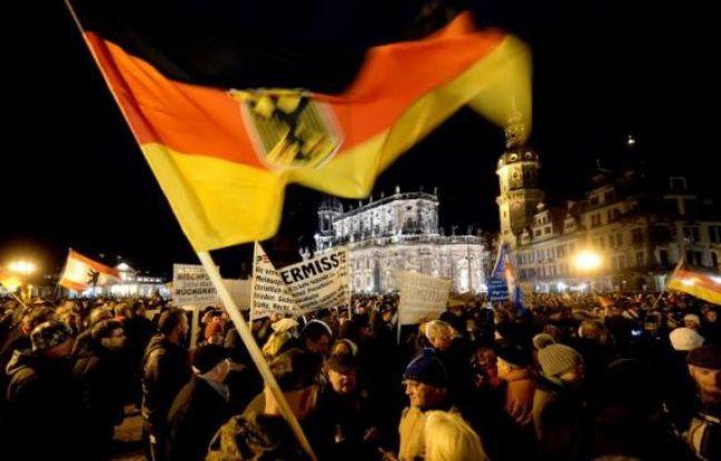 Dixième manifestation contre l'islam du lundi à Dresde, dans l'est de l'Allemagne, le 22 décembre 2014 - Hendrick Schmidt DPA