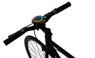 Smarthalo: une drôle de console pour vélo qui assure sécurité et guidage.
