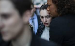 Jessica Mann, qui accuse Harvey Weinstein de viol, à sa sortie du tribunal de Manhattan, le 3 février 2020.