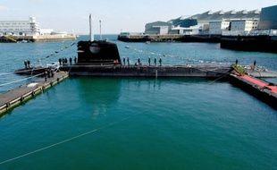 Des contrats de consultant, conclus en marge de la vente de sous-marins français à la Malaisie en 2002, entre Thales, la Direction des constructions navales (DCN) et des décideurs politiques malaisiens sont au coeur d'une enquête pour corruption ouverte à Paris
