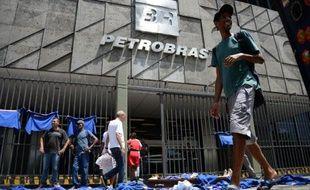 Manifestation de travailleurs de Petrobras le 29 janvier 2015 devant le siège de la compagnie à Rio de Janeiro