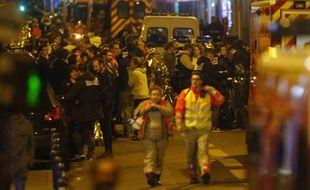 Paris a été visé par une série d'attentats terroristes le 13 novembre 2015.