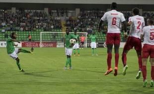 Le Stéphanois Assou-Ekotto lors du barrage aller contre Milsami (1-1), le 20 août 2015.