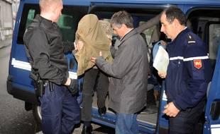 En décembre 2013, lors de l'arrivée de Jérémy Rimbaud au tribunal de Pau.