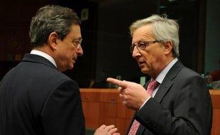 """Les chefs de quatre institutions européennes majeures préparent un """"plan d'ensemble"""" pour conduire la zone euro hors de la crise, selon le journal allemand """"Welt am Sonntag""""."""