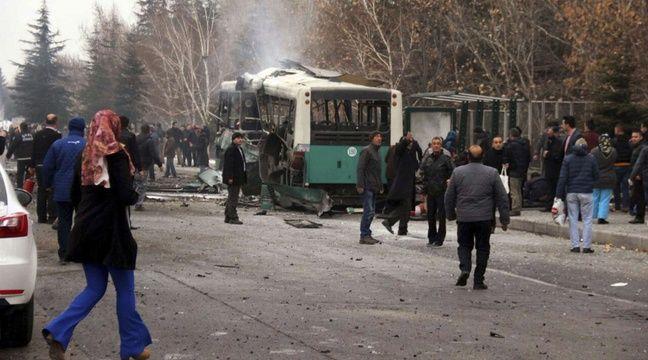 turquie au moins 14 morts dans un attentat visant un bus qui transportait des soldats. Black Bedroom Furniture Sets. Home Design Ideas