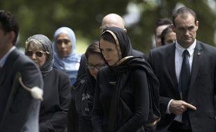 La Première ministre Jacinda Ardem, voilée en soutien à la communauté musulmane