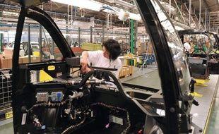 Les secteurs principalement marchands ont créé 18.300 emplois au 1er trimestre 2012 (+0,1% par rapport au trimestre précédent) après en avoir détruit 8.100 au 4e trimestre 2011, selon des chiffres révisés de l'Insee publiés mardi.