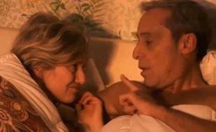 Annette de «Premiers baisers» au lit avec Monsieur Girard