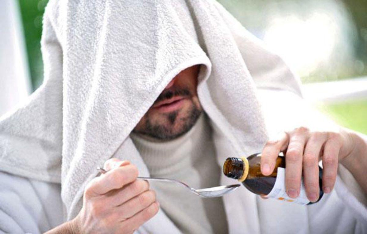 Photo d'illustration: Un homme soigne son rhume. – ISOPIX/SIPA