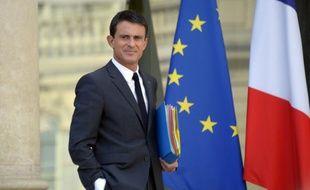 Manuel Valls quitte l'Elysée après le conseil des ministres le 23 septembre 2015