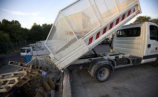Les communes pourront-elles bientôt se prêter des camions bennes grâce à une plateforme collaborative?