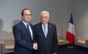 François Hollande et Mahmoud Abbas au Bourget, le 30 novembre 2015.