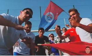 Enzo Trupiano (à gauche) et ses coéquipiers du Saint-Lys Olympique dans le clip de «On a encore gagné»