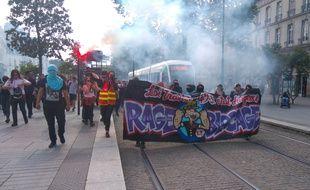 Les manifestants ont bravé l'interdiction du préfet, jeudi 9 juin 2016 à Nantes.