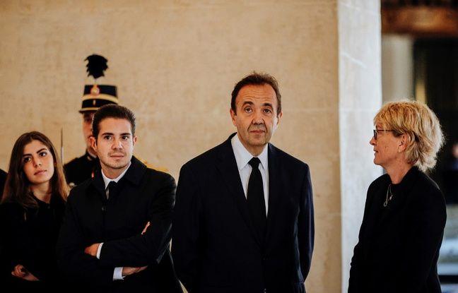 Au centre, Frédéric Salat-Baroux, à droite Claude Chirac, les enfant sont à gauche.