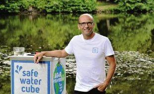 Jean-Paul Augereau, 49 ans, inventeur de la Safe Water Cube.