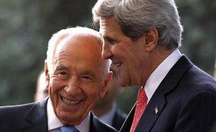 De plus en plus de ministres israéliens s'opposent ouvertement à la création d'un Etat palestinien que tente de promouvoir le secrétaire d'Etat américain John Kerry, de retour jeudi dans la région pour tenter de relancer des négociations de paix.