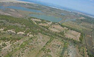 Le site de stockage de 66.000m3 d'hydrocarbures est situé à 500m de la plage de l'Espiguette