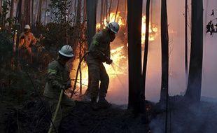 Le Portugal a décrété trois jours de deuil national à partir de ce dimanche, après l'incendie de forêt le plus meurtrier de son histoire récente.