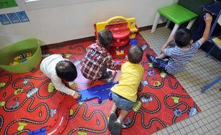 Favoriser l'intégration d'enfants en situation de handicap dès le plus jeune âge: tel est le pari d'une crèche municipale qui vient d'ouvrir ses portes à Paris, dont un tiers des places leur sera exclusivement réservé.